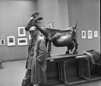 Photo exhibition of Michel Sim «Geniuses in the workshops. Zakulisie Parisian art scene»